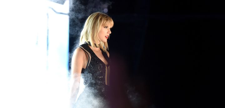 Swift performing onstage on October 22, 2016 in Austin, TX.