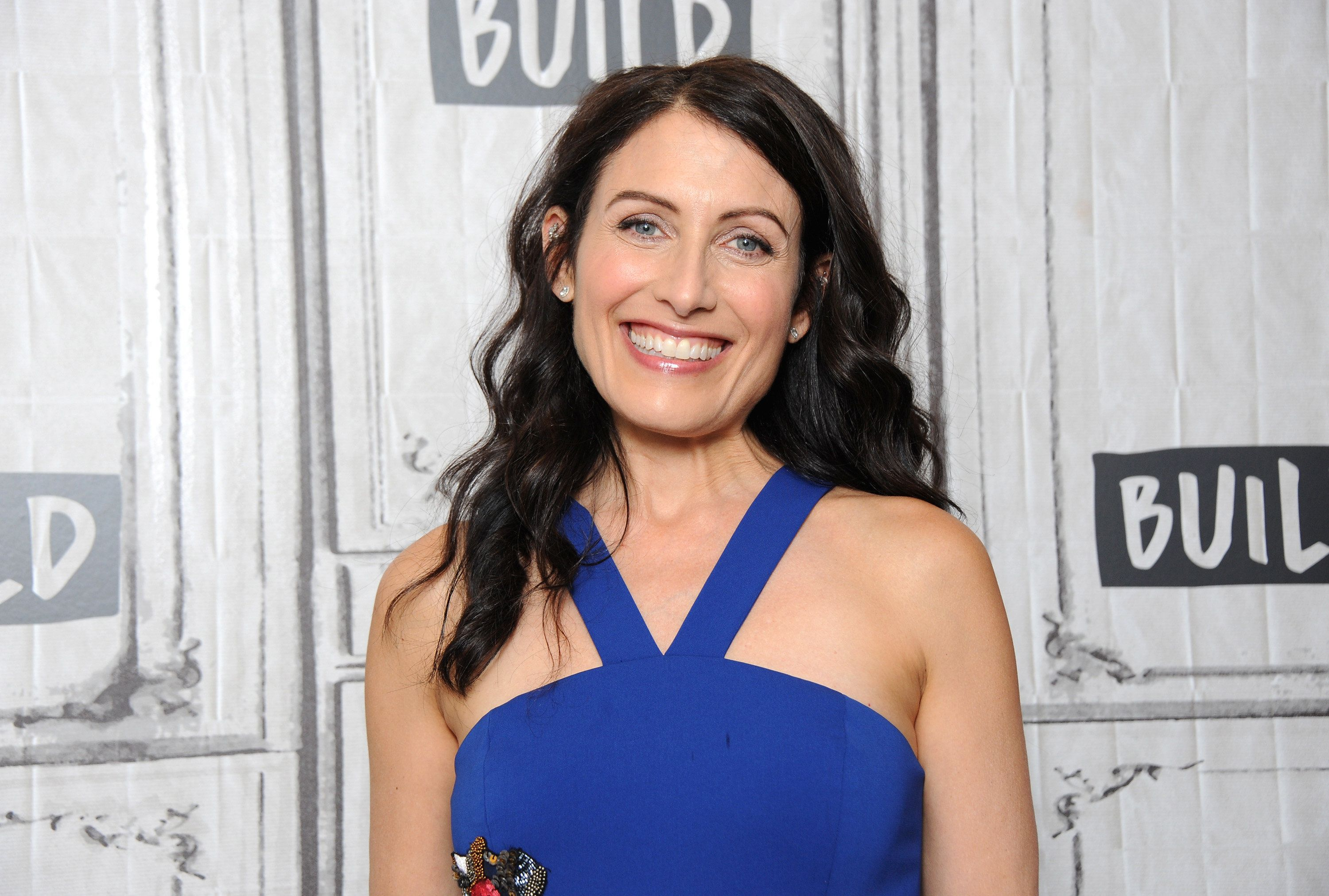 NEW YORK, NY - AUGUST 07: Actress and playwright Lisa Edelstein attends Build to discuss 'Girlfriends' Guide To Divorce' at Build Studio on August 7, 2017 in New York City.  (Photo by Desiree Navarro/WireImage)