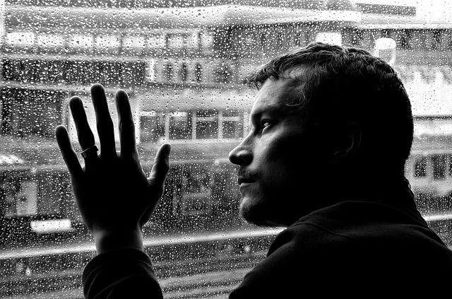 "Photo: <a rel=""nofollow"" href=""https://pixabay.com/en/depression-loneliness-man-mood-84404/"" target=""_blank"">Pixabay</a>"