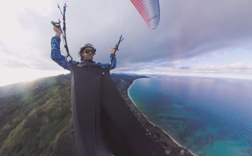 "In the <a rel=""nofollow"" href=""https://www.usatoday.com/videos/virtual-reality/vrtually-there/2017/05/09/free-fly-over-hawaii"
