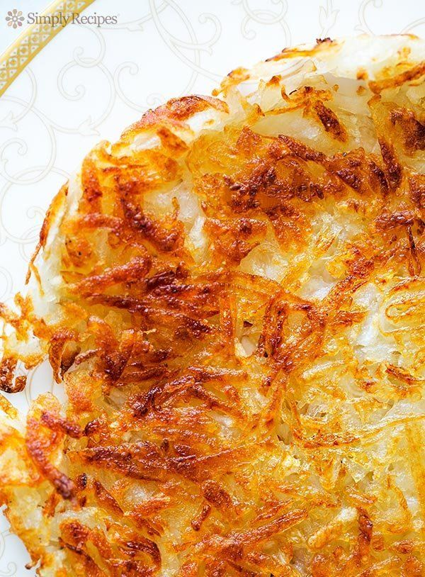 "<strong>Get the <a href=""http://www.simplyrecipes.com/recipes/crispy_hash_browns/"" target=""_blank"">Crispy Hash Browns recipe<"