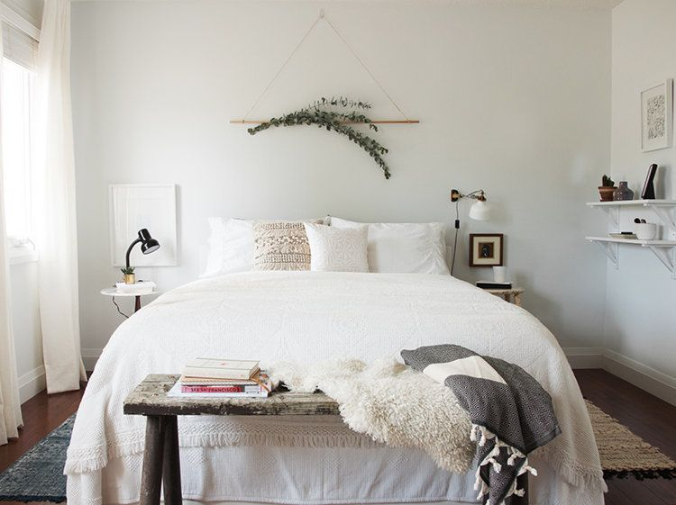 14 Decorating Ideas For The Wall Above Your Bed