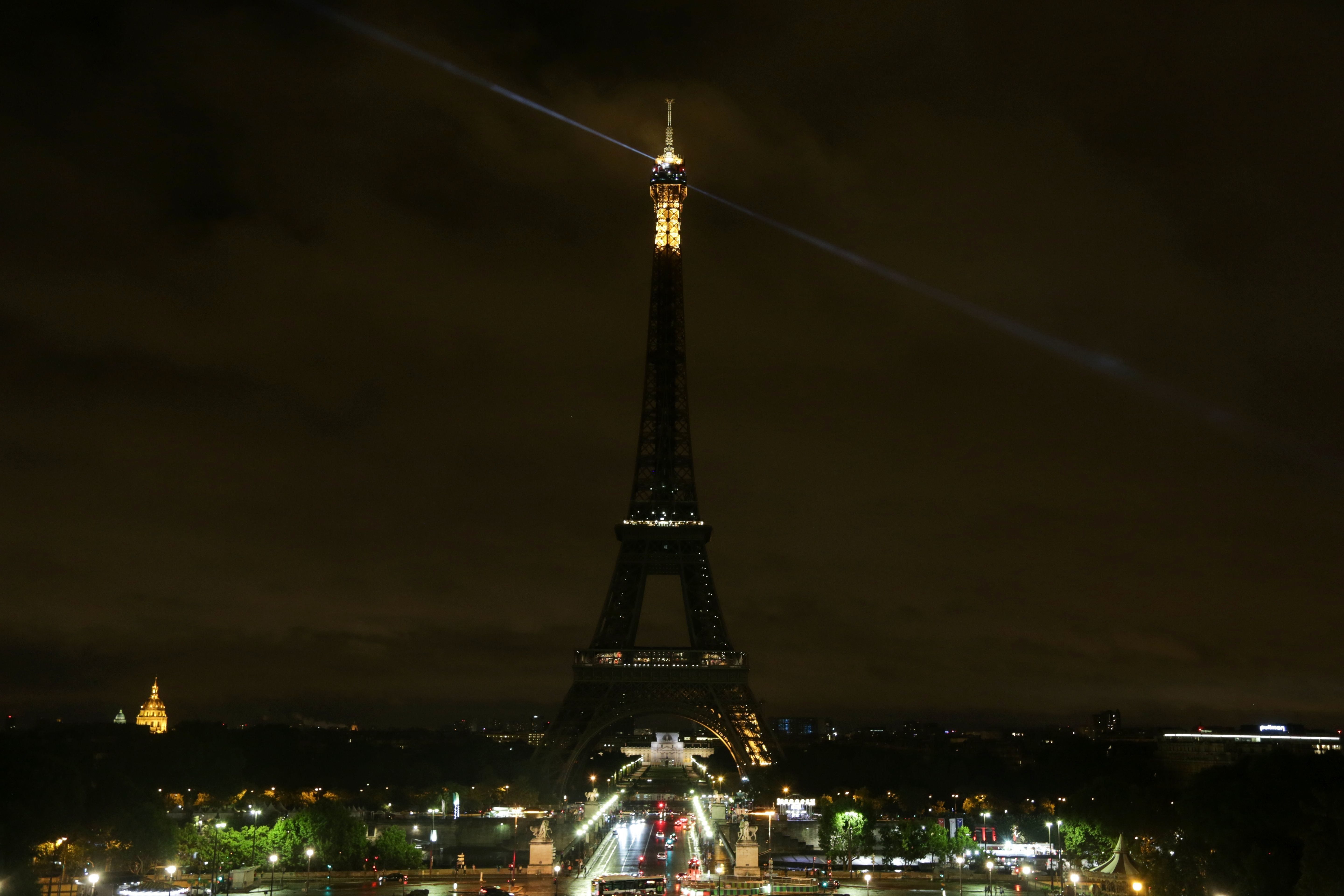 Eiffel Tower Plunges Into Darkness In Solidarity With Victims Of Barcelona