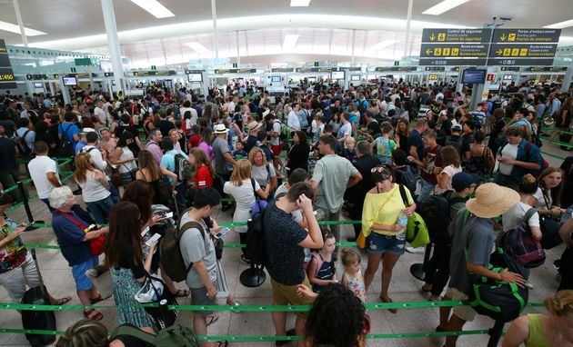 Queues at Barcelona's El Prat airport during the strike by security
