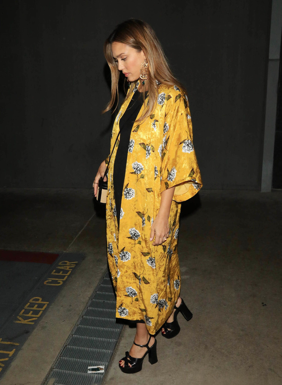 Jessica Alba Makes This Topshop Jacket Look Like A Million