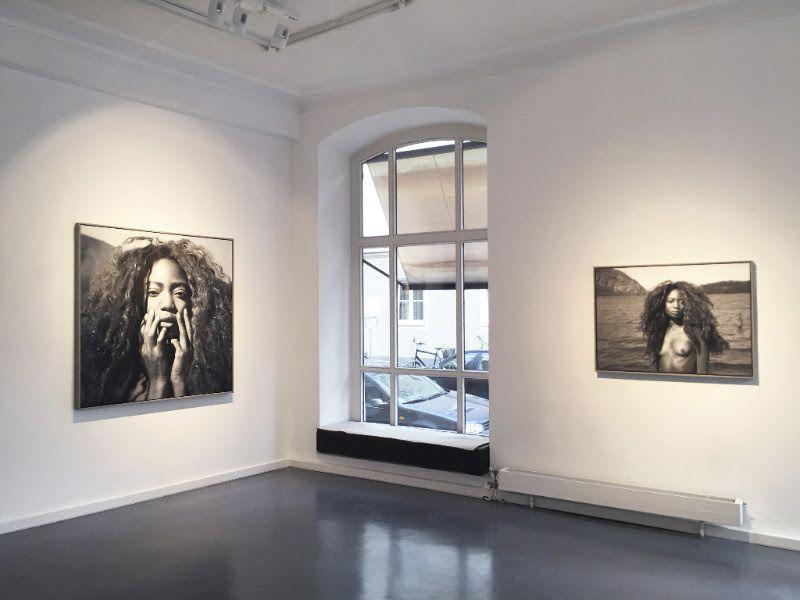 left: YIGAL OZERI, Medusa, 2017, oil on canvas, 54 x 54 inch | 137 x 137 cm / right: YIGAL OZERI, untitled (Cristal), 20