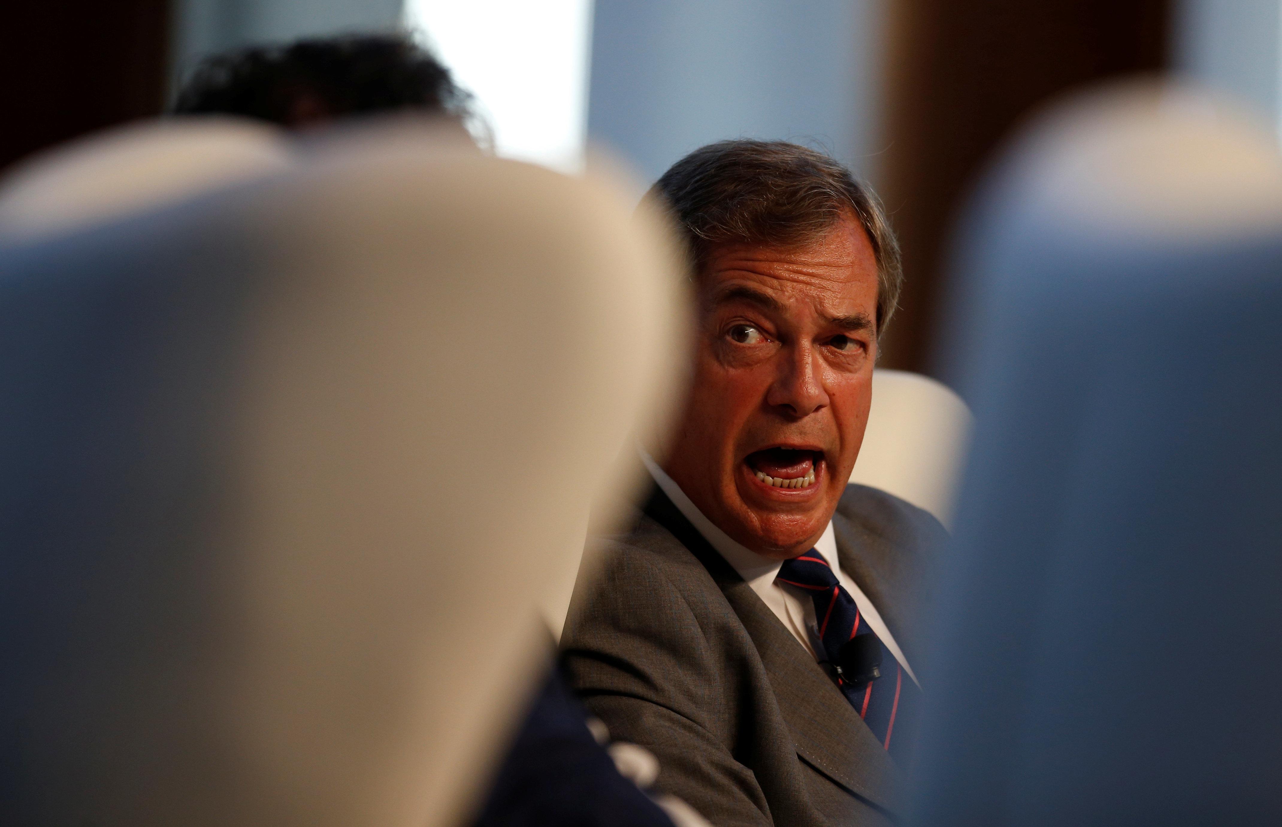 Nigel Farage Praises Steve Bannon, Opens Up A World Of Hilarious Trolling