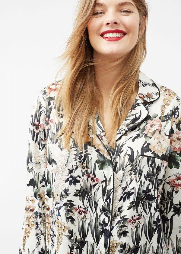 """<a href=""""http://shop.mango.com/us/plus-size/shirts-blouses/floral-print-blouse_81075586.html?c=02&n=1&s=rebajas_viole"""