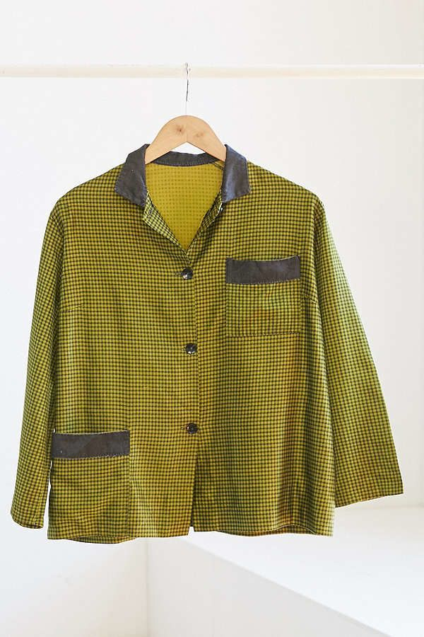 "<a href=""https://www.urbanoutfitters.com/shop/vintage-green-check-silky-pajama-top?category=SEARCHRESULTS&color=000"" targ"