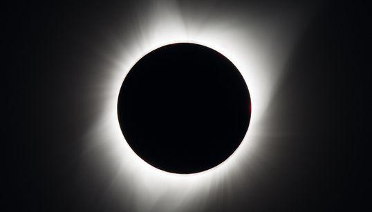 As fotos do eclipse solar total finalmente chegaram e não