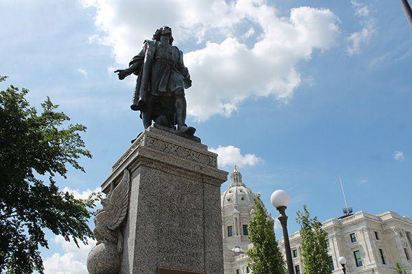 "<a rel=""nofollow"" href=""https://mn.gov/caapb/capitol-area/memorials-monuments/#"" target=""_blank"">Christopher Columbus near Mi"