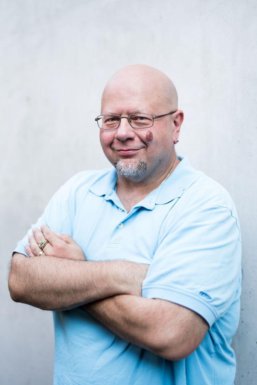 Author Joe DeRouen
