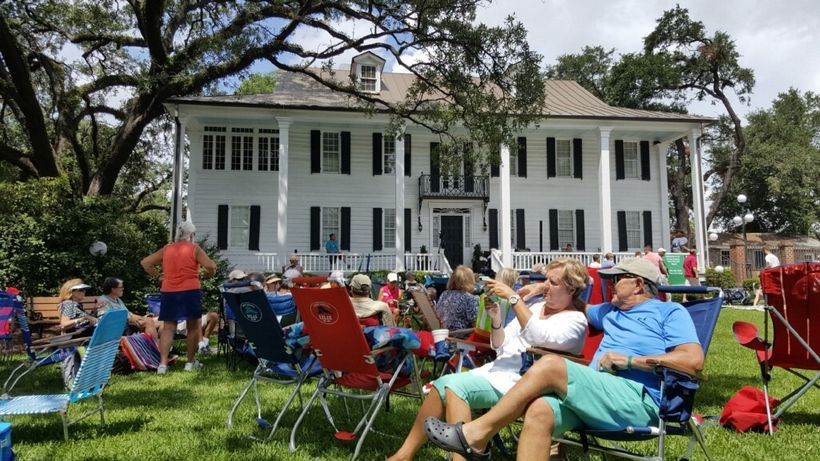Historic Kaminski House in Georgetown hosted a viewing party on their expansive lawn.