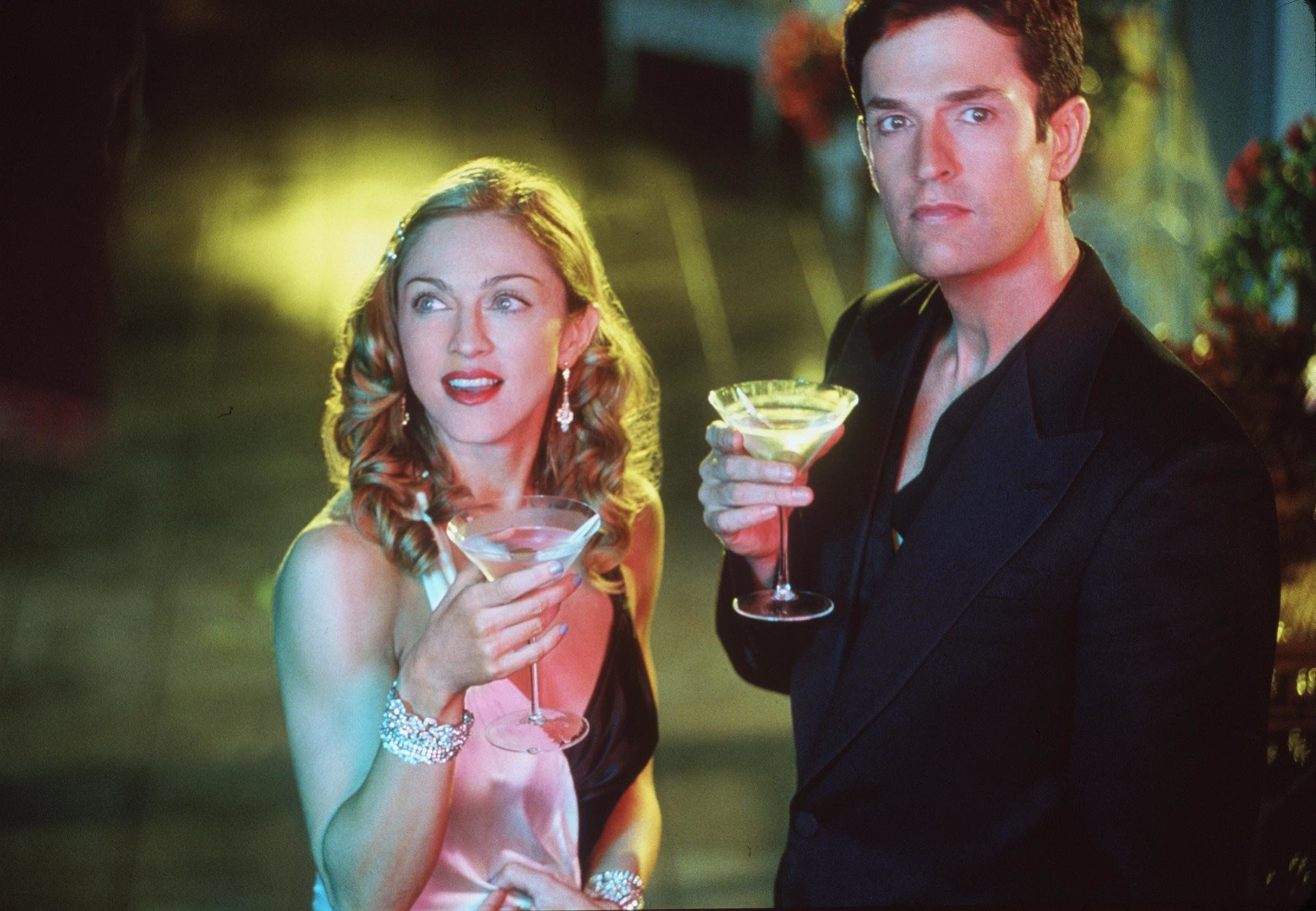 E 367000 4 Madonna And Rupert Everett Stars In 'The Next Best Thing.'  (Photo By Getty Images)