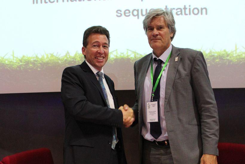 <em>Alain Vidal, CGIAR System Organization & Stéphane Le Foll, former French</em> <em>Minister of Agriculture, Agribusine