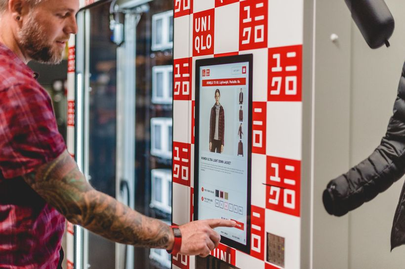 Consumers can buy Uniqlo clothes via vending machines in the airports and shopping malls in big US cities. [Image: C Wagner&