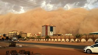 KHARTOUM, SUDAN - JUNE 1: A general view of the city during the Sand storm in Khartoum, Sudan on June 1, 2017.    (Photo by Abdullah Uluyurt/Anadolu Agency/Getty Images)
