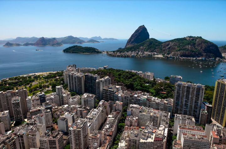 Join creative types and party people in up-and-coming Botafogo.