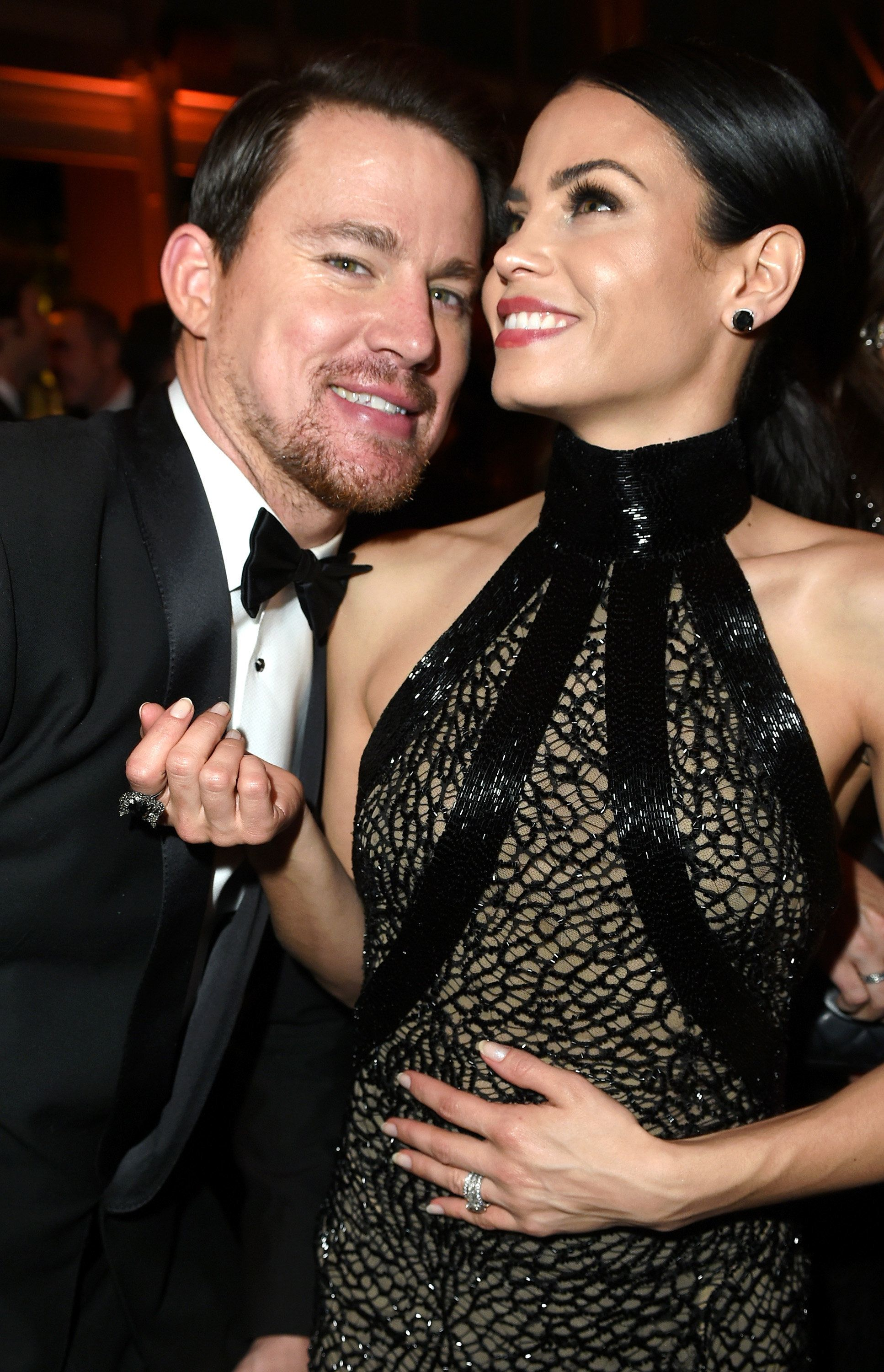 BEVERLY HILLS, CA - FEBRUARY 22:  (EXCLUSIVE ACCESS, SPECIAL RATES APPLY) Actors Channing Tatum (L) and Jenna Dewan Tatum attend the 2015 Vanity Fair Oscar Party hosted by Graydon Carter at the Wallis Annenberg Center for the Performing Arts on February 22, 2015 in Beverly Hills, California.  (Photo by Jeff Vespa/VF15/WireImage)