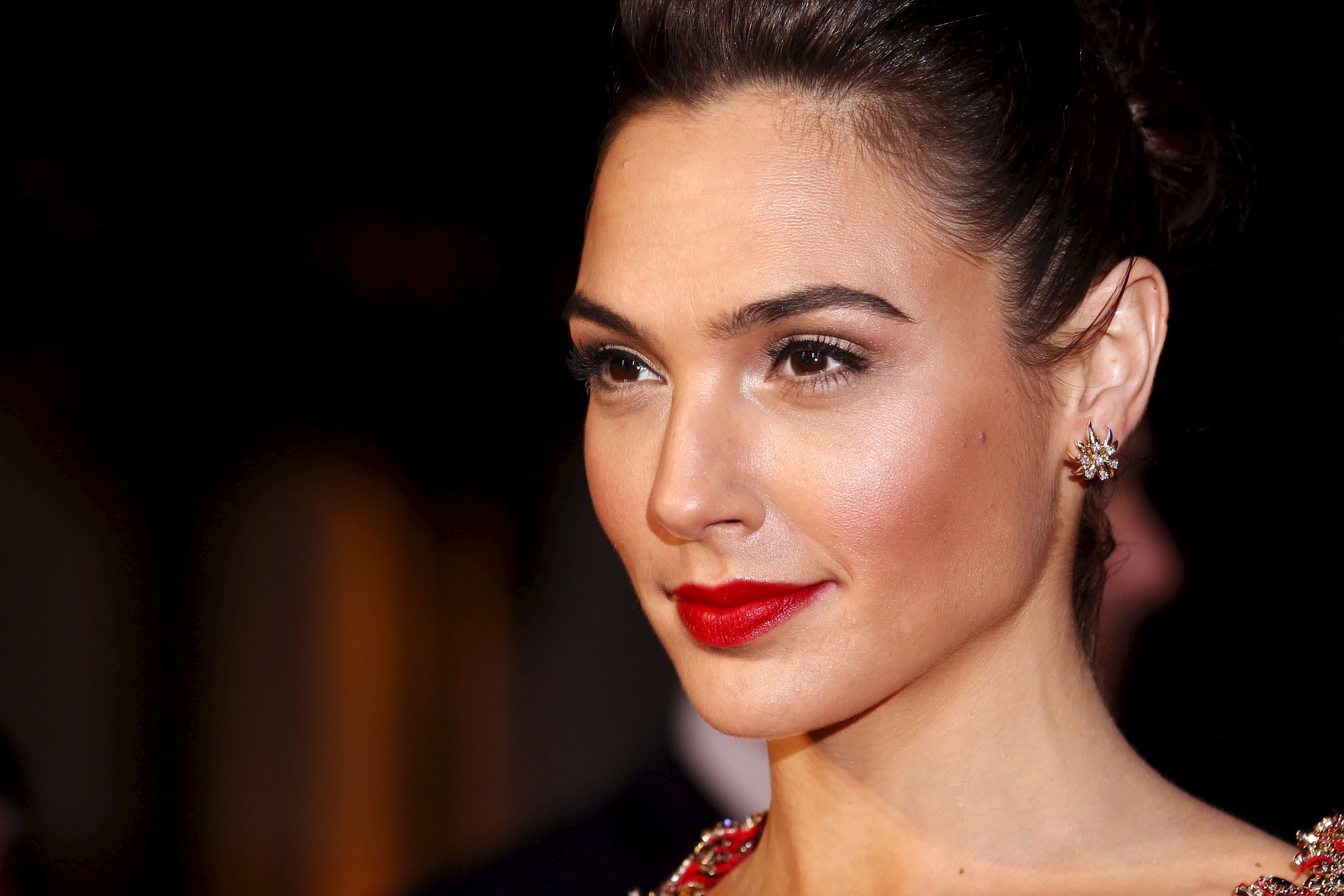"Gal Gadot arrives for the European Premiere of ""Batman V Superman: Dawn of Justice"" in Leicester Square in London, Britain, March 22, 2016. REUTERS/Luke MacGregor"