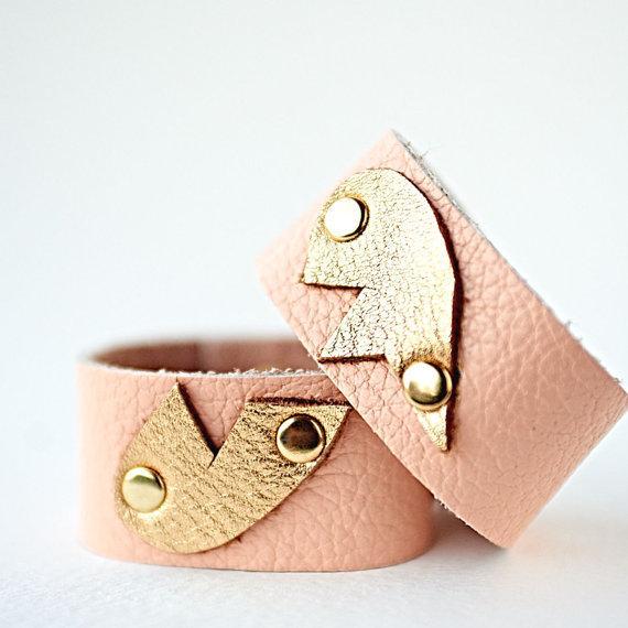 "<a href=""https://www.etsy.com/listing/248384798/best-friend-bracelet-set-best-friend?utm_medium=editorial_internal&utm_so"