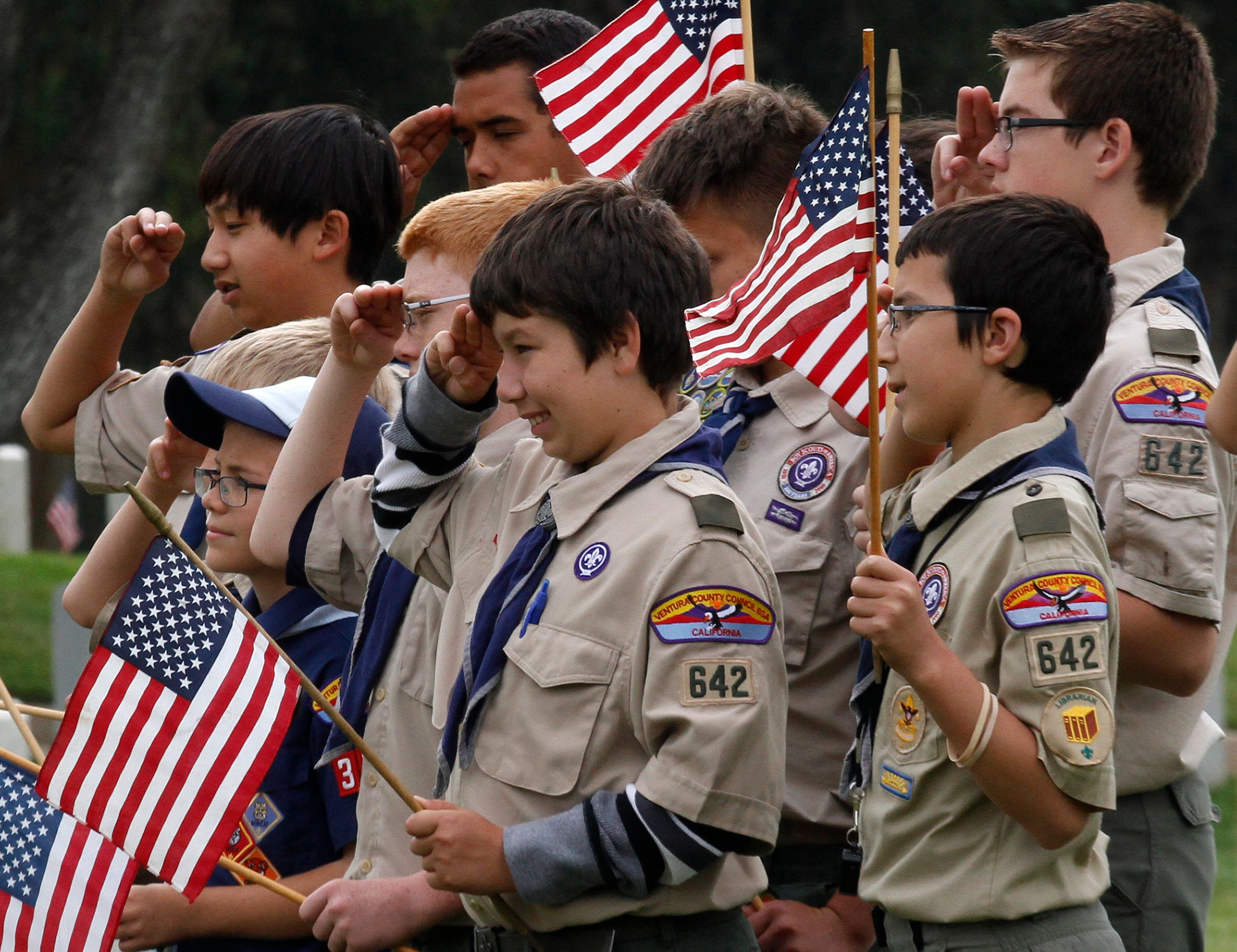 Boy Scouts of America troop members attend a Memorial Day weekend commemorative event in Los Angeles, California, May 25, 2013. REUTERS/Jonathan Alcorn (UNITED STATES - Tags: SOCIETY ANNIVERSARY)