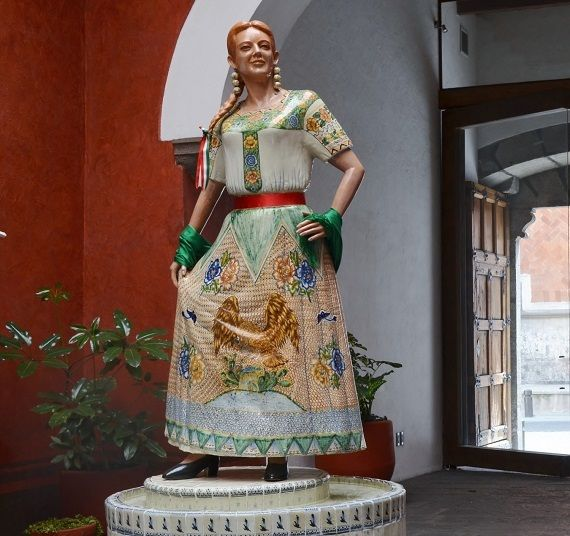 Asian-inspired dress scored a big hit in Mexico.