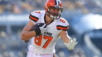 PITTSBURGH, PA - JANUARY 01:  Seth DeValve #87 of the Cleveland Browns runs into the end zone for a 12 yard touchdown reception in the first quarter during the game against the Pittsburgh Steelers at Heinz Field on January 1, 2017 in Pittsburgh, Pennsylvania. (Photo by Joe Sargent/Getty Images)