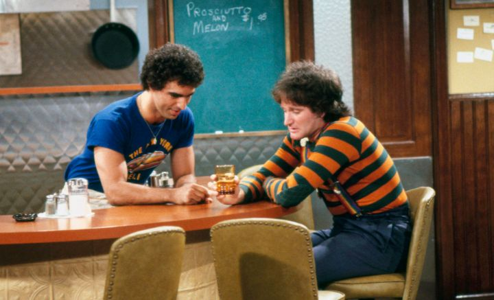 "Jay Thomas and Robin Williams on ""Mork & Mindy"" in 1979."