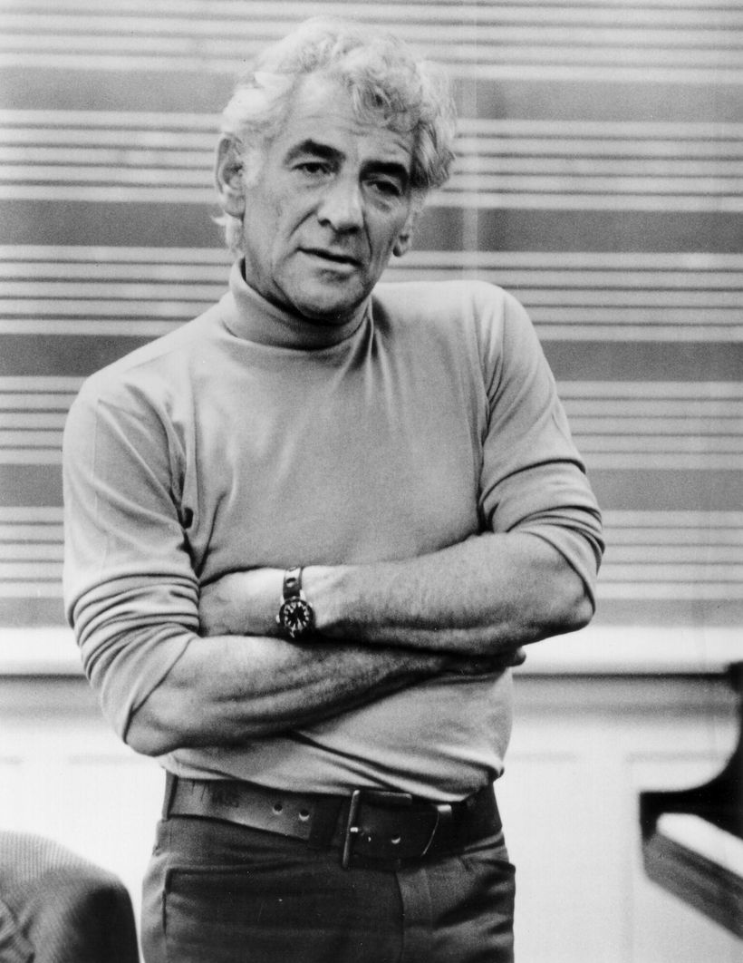 Leonard Bernstein ˈ b ɜːr n s t aɪ n BURNstyne August 25 1918 October 14 1990 was an American composer conductor author music lecturer and pianist