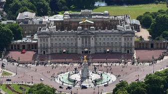 LONDON, ENGLAND - JULY 12:   An aerial view of The Mall leading to Buckingham Palace on July 12, 2017 in London, England. (Photo by Dan Mullan/Getty Images)