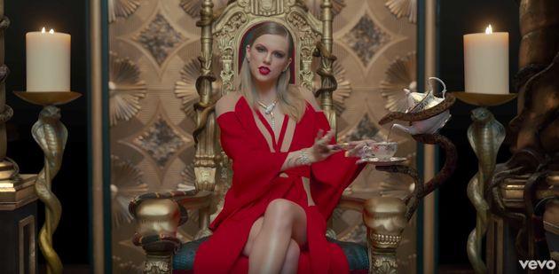 En el videoclip de Taylor Swift 'Look What You Made Me Do' hay pullas para todos sus