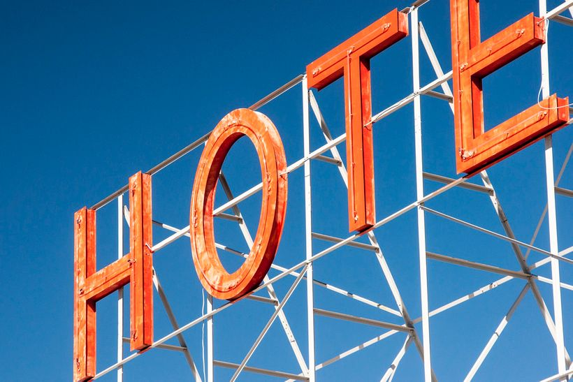 <em>Score hotel deals for your family vacation with these insider tips.</em>