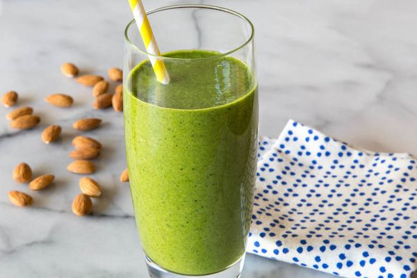 """<strong>Get the <a href=""""http://whatsgabycooking.com/almond-butter-spinach-smoothie/#.U4Sw85SG02K"""" target=""""_blank"""">Almond But"""