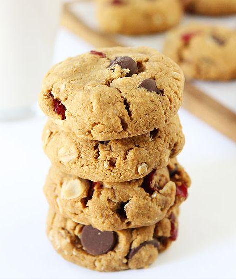 """<strong>Get the <a href=""""http://www.twopeasandtheirpod.com/almond-cranberry-oatmeal-cookies/"""" target=""""_blank"""">Almond Cranberr"""