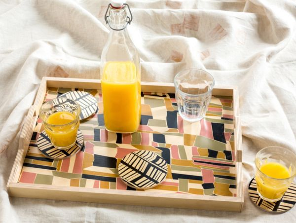 "<a href=""http://www.ofakind.com/shop/product/3167-abstract-checkerboard-tray-and-coaster-set"" target=""_blank"">Shop it here</a"