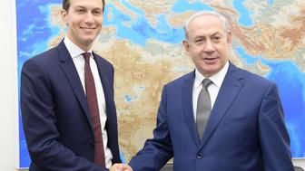 JERUSALEM, ISRAEL - AUGUST 24: (----EDITORIAL USE ONLY  MANDATORY CREDIT - 'ISRAELI PRIME MINISTRY / HANDOUT' - NO MARKETING NO ADVERTISING CAMPAIGNS - DISTRIBUTED AS A SERVICE TO CLIENTS----)  Jared Kushner (L), U.S President Donald Trump's son-in-law and adviser shakes hand with Israeli Prime Minister Benjamin Netanyahu (R) prior to their meeting at the prime minister's office in East Jerusalem, Israel on August 24, 2017. (Photo by Israeli Prime Ministry  / Handout/Anadolu Agency/Getty Images)