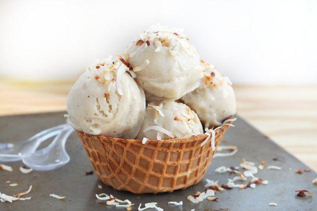 Get theRoasted Banana Coconut Ice Cream recipefrom Roxana's Home
