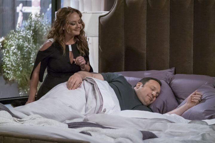 "Remini and James in ""Kevin Can Wait."""