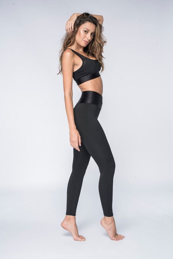 This legging does it all - it lifts, holds, creates smoothes lines, and is perfectly angled to create the illusion of a