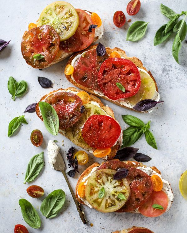 "<strong>Get the <a href=""http://www.howsweeteats.com/2017/07/heirloom-tomato-toast-basil-whipped-feta/"" target=""_blank"">Heirl"
