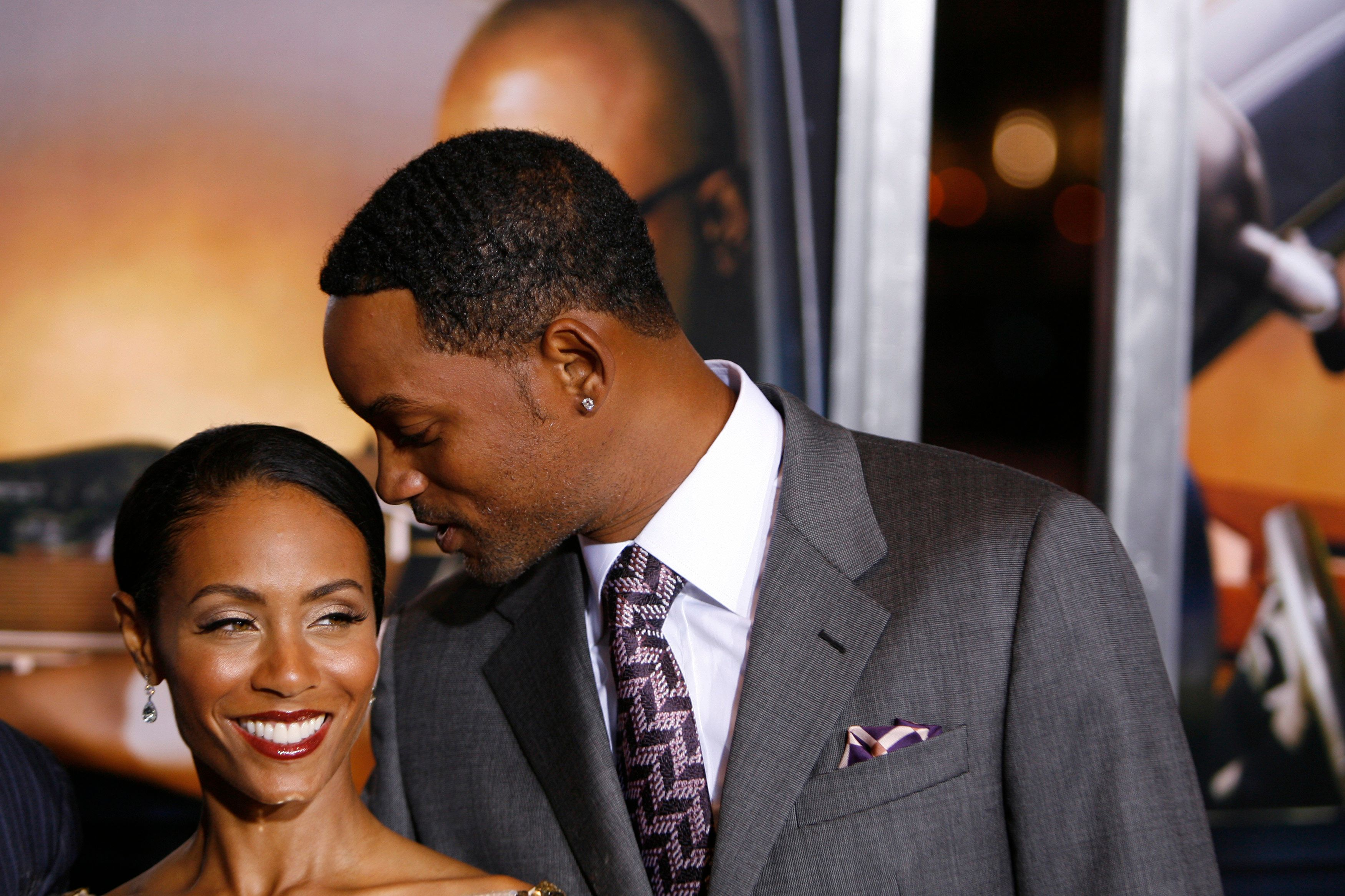 "Actors Will Smith (R) and Jada Pinkett Smith arrive to attend the premiere of the film ""Lakeview Terrace"" in New York September 15, 2008.  REUTERS/Lucas Jackson  (UNITED STATES)"