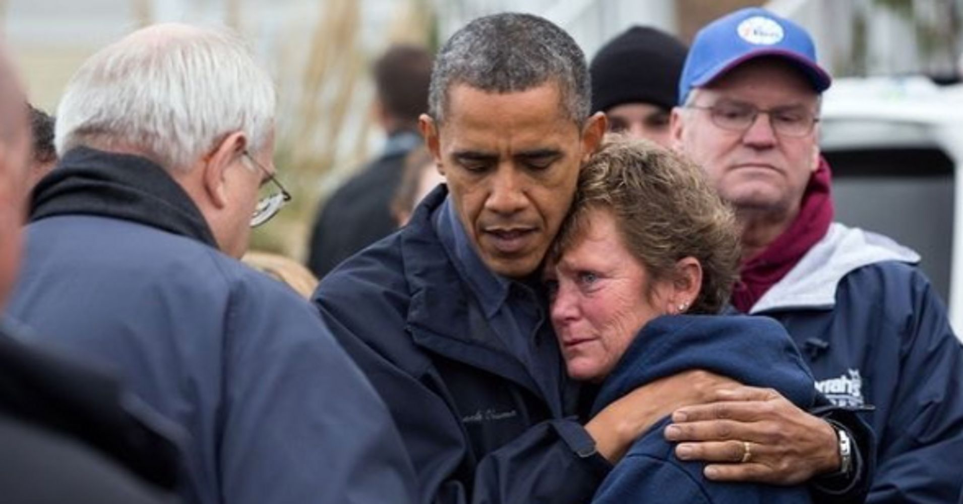 Obama Photographer Reminds Us How President Should Act During Disasters