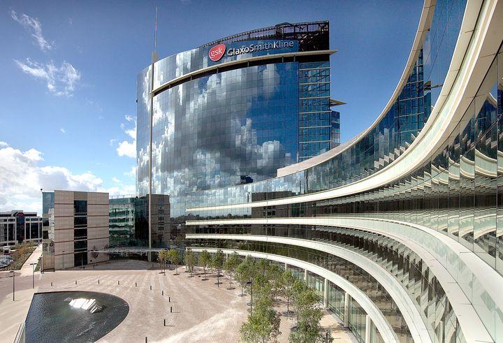 <p>GlaxoSmithKline World Headquarters, designed by Robert Hillier.</p>