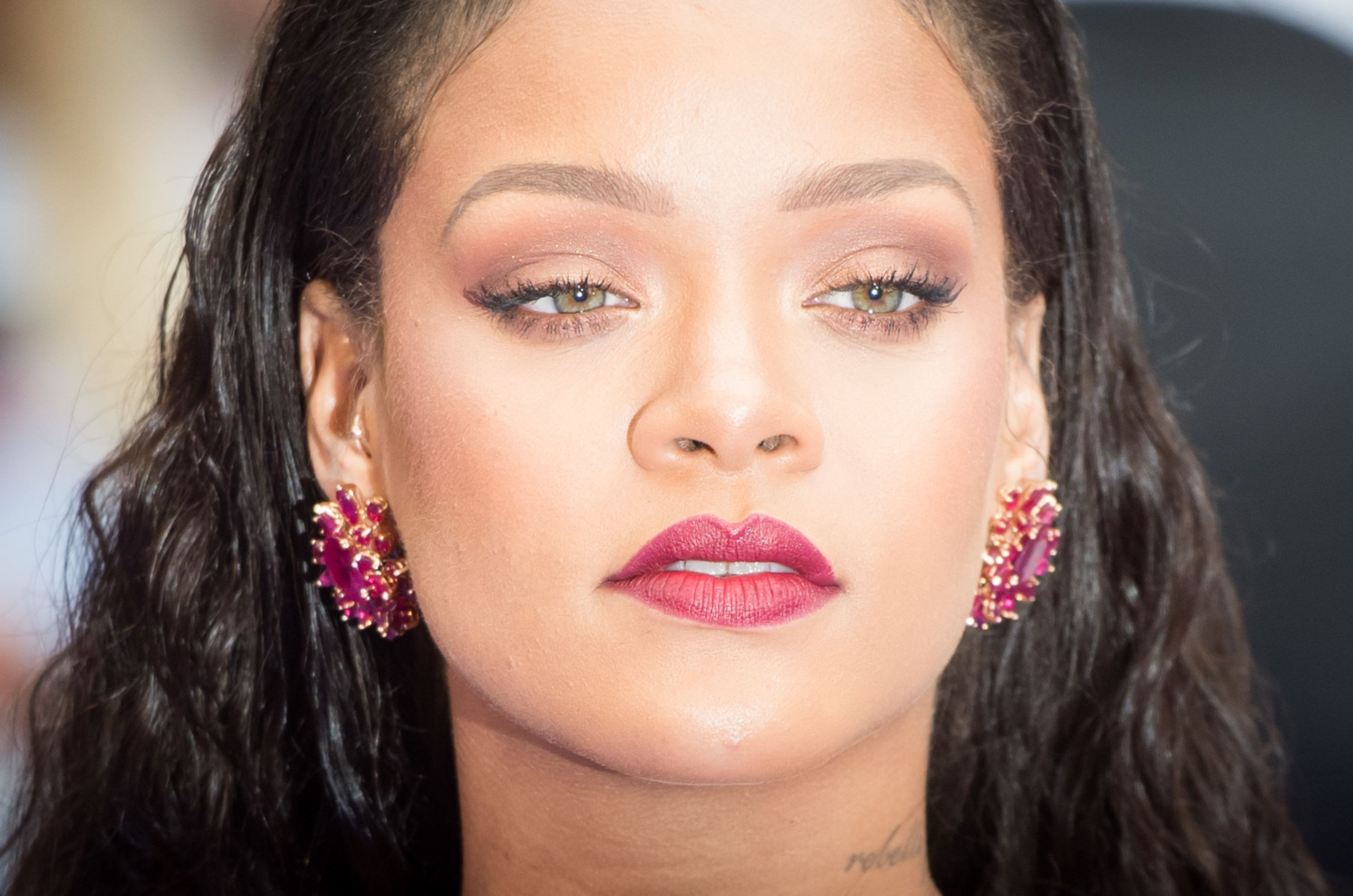 Rihanna Has Twitter Freaking Out Over Her Beauty Line