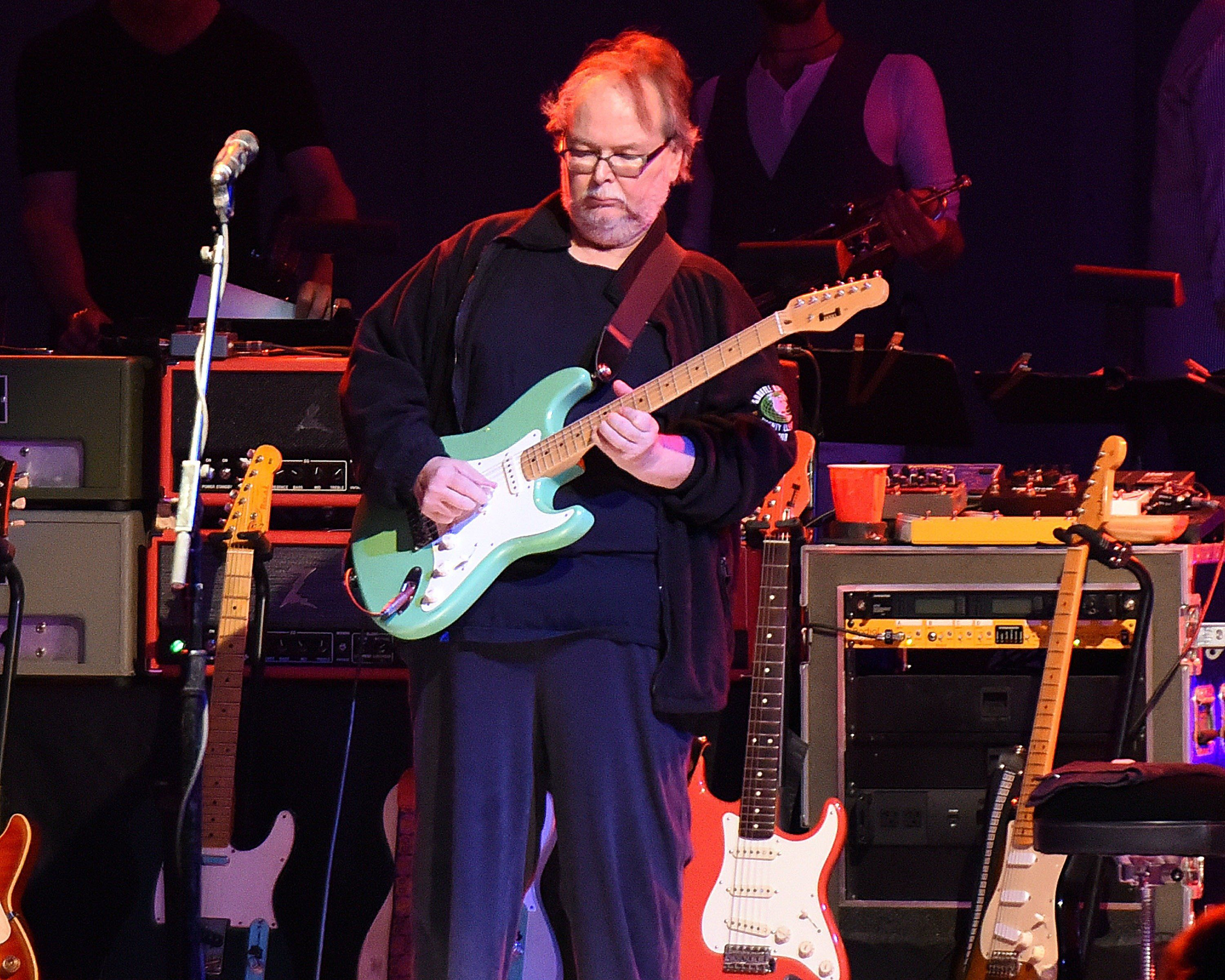 Steely Dan Guitarist Walter Becker Dies At