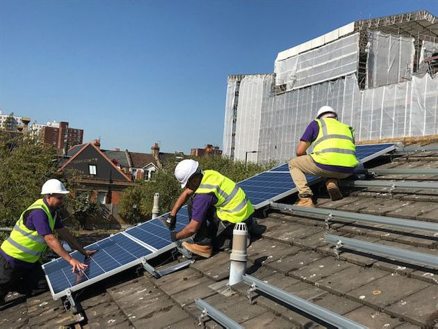 800 000 low income homes to get free solar panels