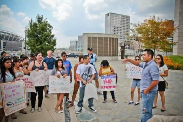 Protesters support DACA and Tellez outside the courtroom during his deportation hearing