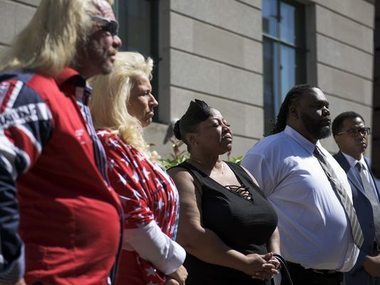 """Duane """"Dog The Bounty Hunter"""" Chapman stands with a plaintiff in a federal lawsuit to support striking down New Jersey's rece"""
