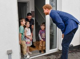 5-Year-Old Gives Prince Harry Hilarious Order Before Welcoming Him Into Her Home